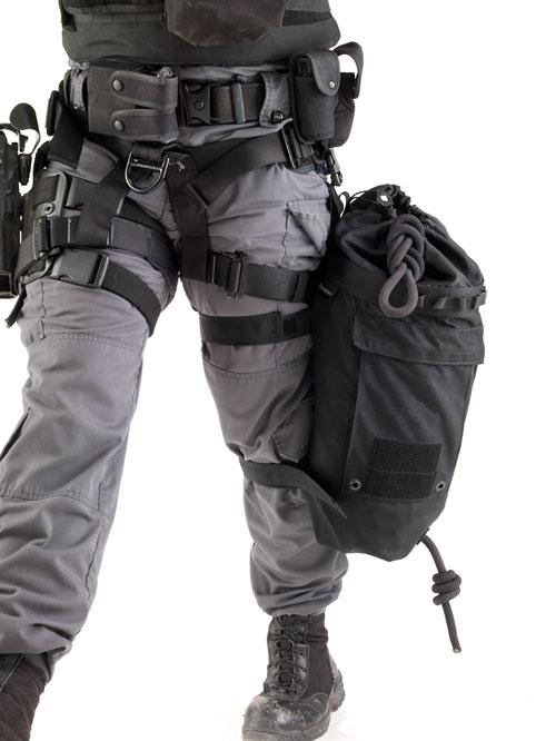 L30 Pod Bag 3 Litre attached to leg